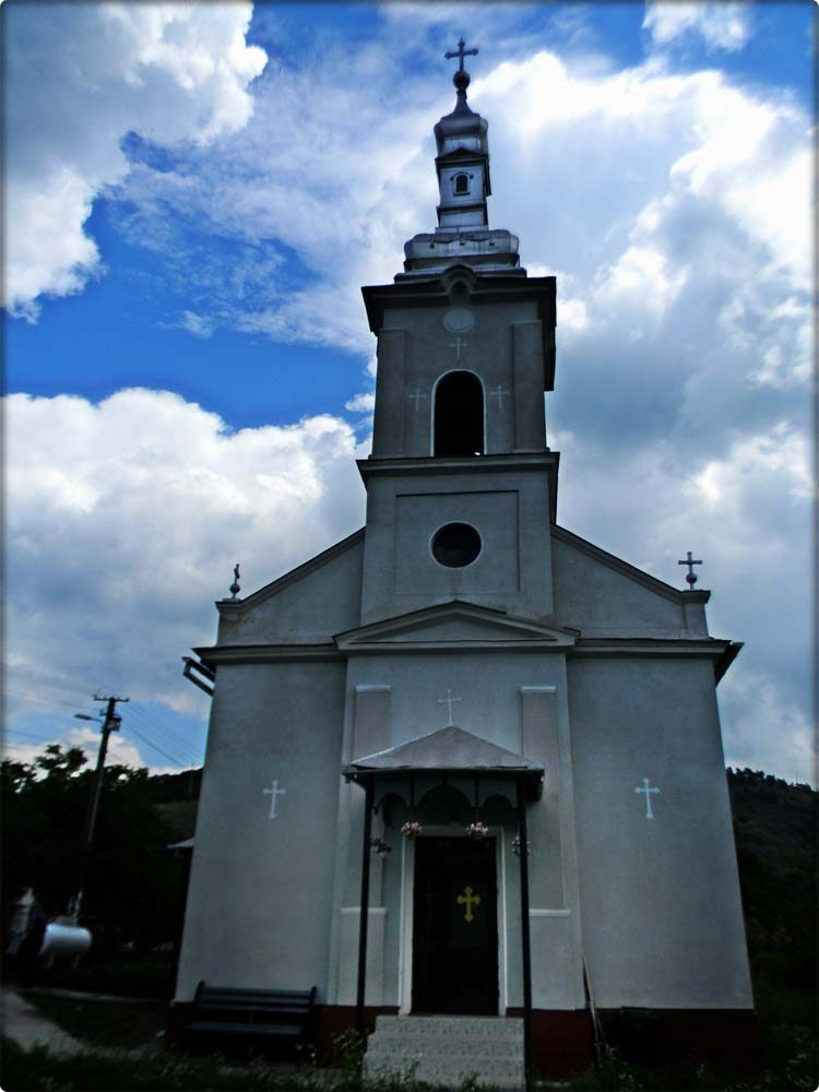 Biserica Livada-Paulian