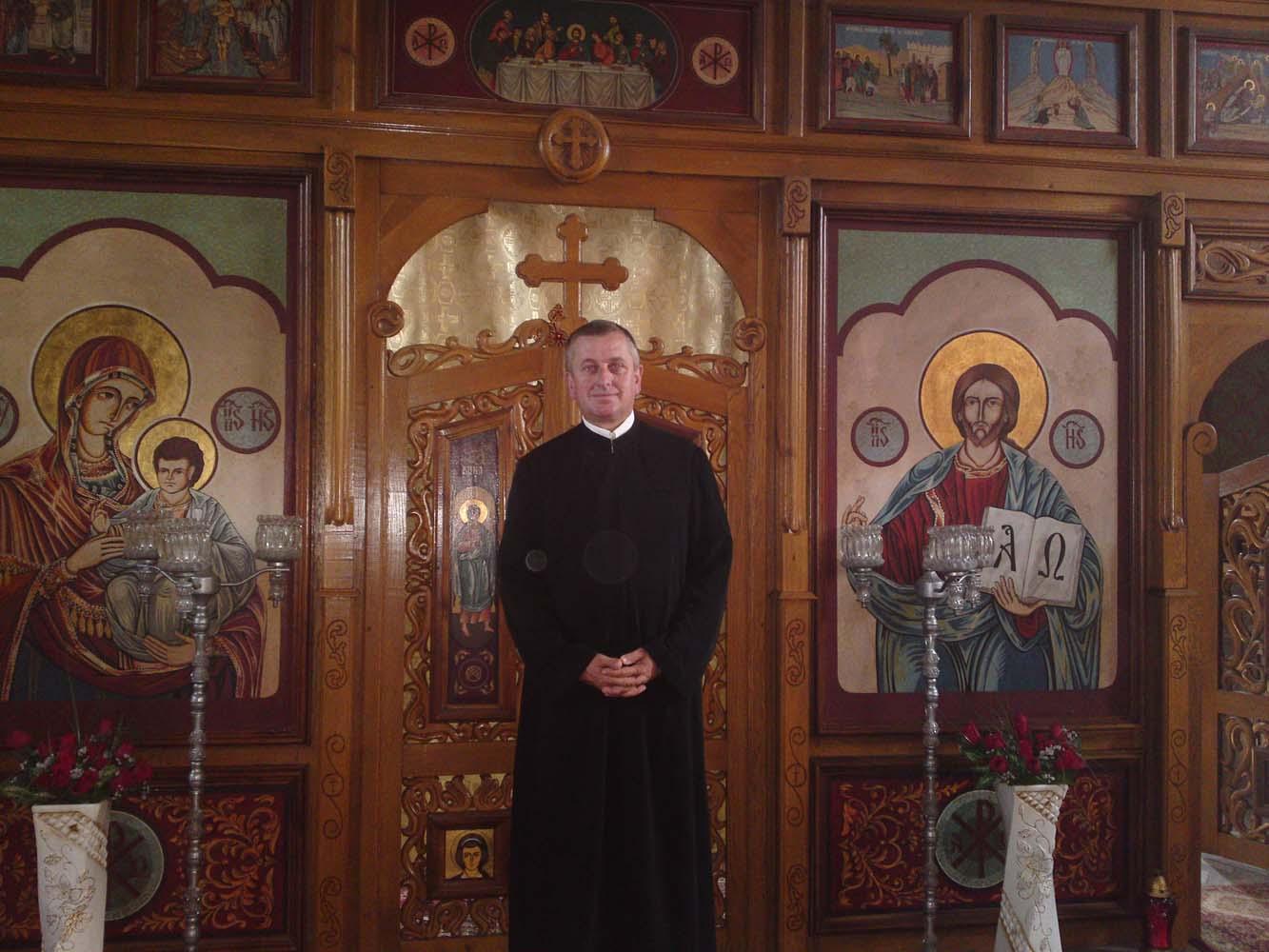 Preot paroh Francescu Romulus-Nelu