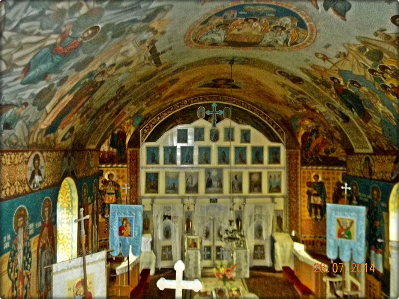 interiorul bisericii-vedere de sus