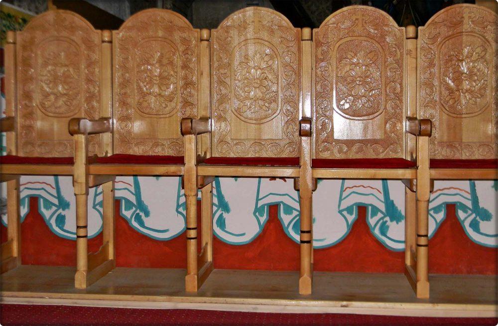 mobilier biserica buhani