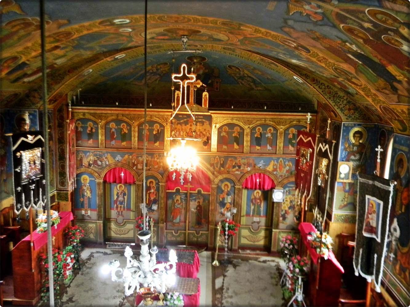 interiorul-Bisericii-vedere-de-sus
